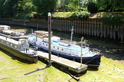 barge on residential mooring - open to offers