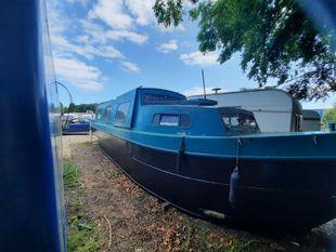 Lady Bee 30 Foot Centre Cockpit Narrowboat Sleeps 5