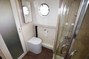 Bathroom (Portside)