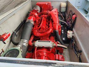 Offshore 105  - Engine