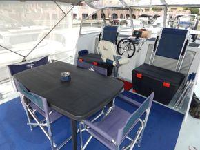 Dutch Steel Cruiser spacious liveaboard - Fly Bridge Seating