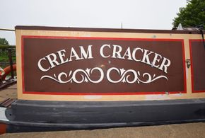 Sign-writing 'Cream Cracker'