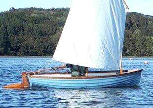 11ft GRP simulated rowing skiff with lug sail