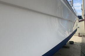 Sportcraft 302 - fishing boat - port side - polished GRP