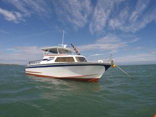 23' fibreglass fast cabin cruiser